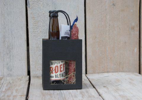tasje vol-2 met een lekker biertje en worst