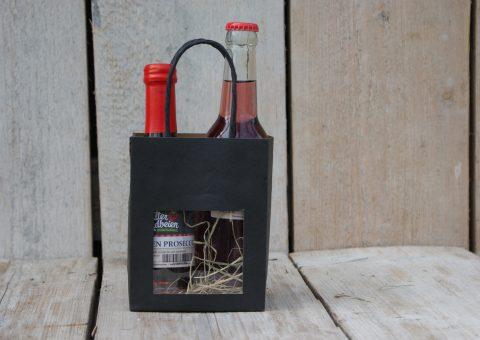 tasje vol-4 met aardbeienproducten